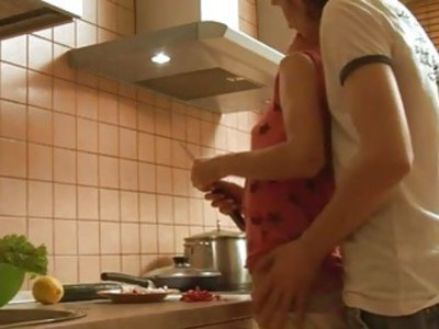 Hot amateur couple records their sex in the kitchen