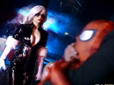 Black Cat fucks by Spidey from behind her pussy is wet