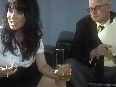 Slut gets huge ejaculation on face after fucking