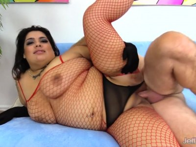Fat Felatio Artist Bella Bangs Gives a Cock a Thorough Sucking and Fucks It
