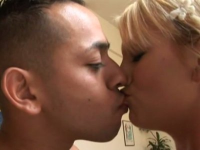 Karisma Marie gets horny for nerdy guy and sucks his penis