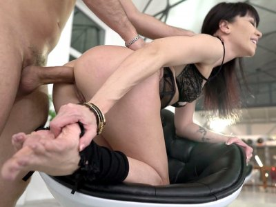 MILF Sasha Colibri gets assfucked doggystyle