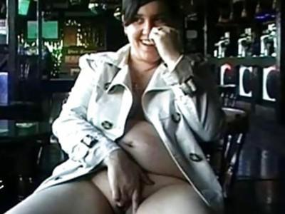 Amateur bbw Kinx upskirt masturbation in a bar