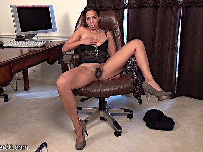 Hairy Latina hottie