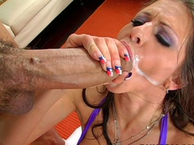 Tight white bitch Rachel Roxxx fucks hard and gets facial