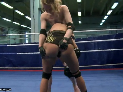 Bianka Lovely and Gitta Blond having fight