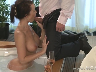 MOM Couple make love in a hot tub