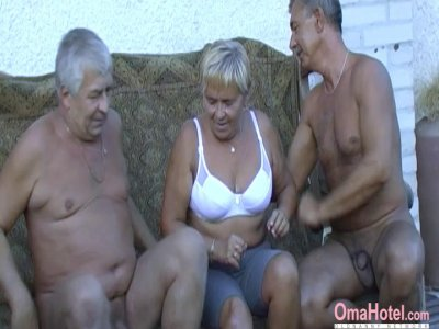 OmaHoteL Hot Grandma Enjoying nice Sex