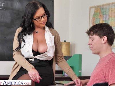 Michelle Miller (Sheridan Love) teaches student how to fuck