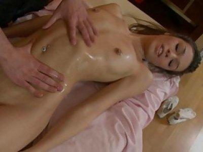 Lusty oralsex engulfing with gal