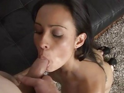 Playgirl impresses her guy with oral stimulation
