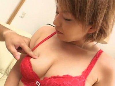 Busty Japanese housewife Rio Kurusu deepthroating a hariy cock