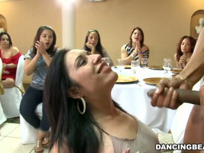 Pretty girl gets a facial cumshot after sucking stripper's cock deepthroat